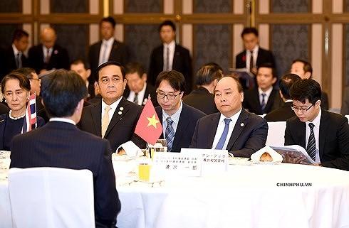 Нгуен Суан Фук и руководители стран дельты реки Меконг встретились с императором Японии - ảnh 2