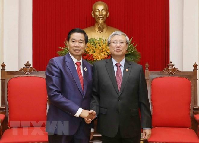 Чан Куок Выонг принял делегацию лаосской столицы Вьентьяна - ảnh 1