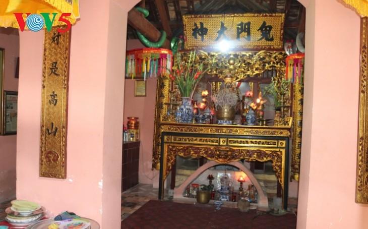 Храм Куимон, где хранятся реликвии боевых подвигов в истории борьбы вьетнамского народа против иноземных захватчиков - ảnh 3