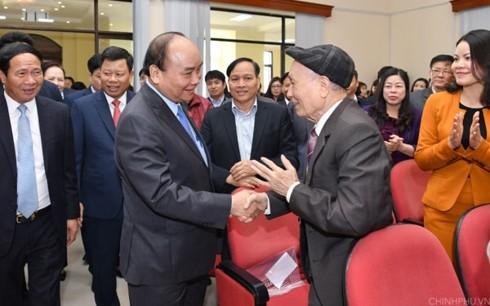 Премьер Вьетнама встретился с избирателями Хайфона после  6-й сессии Нацсобрания - ảnh 1