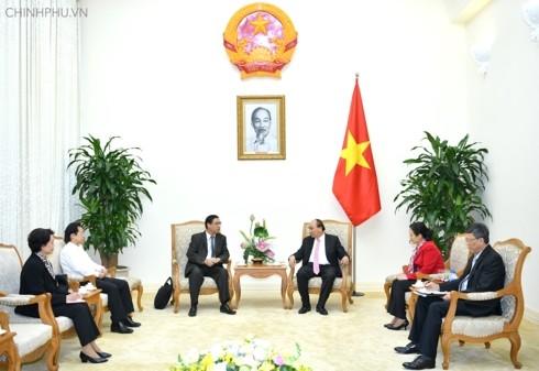 Премьер Вьетнама принял главу Общества по связям с вьетнамцами, проживающими за границей - ảnh 1