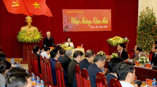 Генсек ЦК КПВ, президент СРВ Нгуен Фу Чонг поздравил провинцию Йенбай с Тэтом - ảnh 1