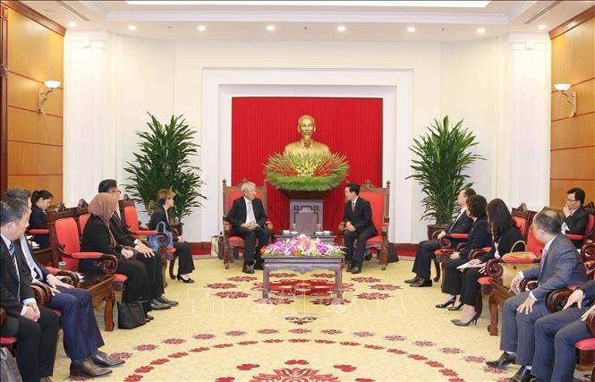 Во Ван Тхыонг принял вице-премьера Сингапура Бяо Чжи Сяня - ảnh 1