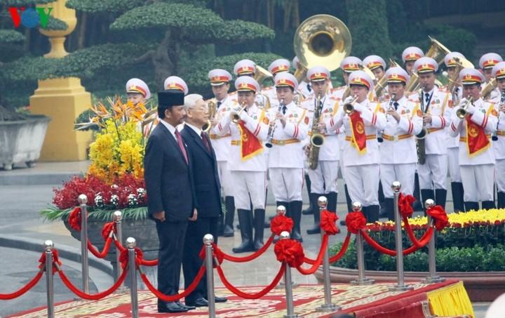 Генсек ЦК КПВ, президент СРВ Нгуен Фу Чонг провел переговоры с султаном Брунея - ảnh 1