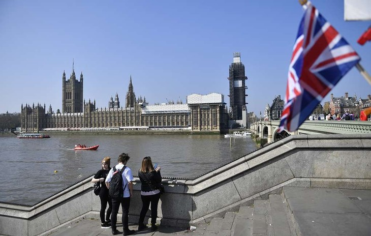 Британский парламент в третий раз отверг соглашение с ЕС по Brexit - ảnh 1