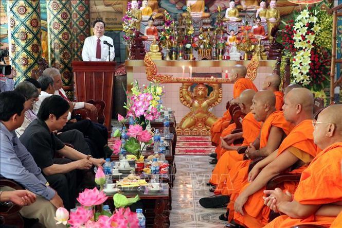 Глава ОФВ Чан Тхань Ман поздравил кхмеров с праздником «Чол Чнам Тхмай» - ảnh 1