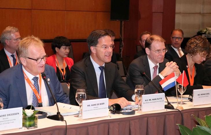 Марк Рютте: продолжим отменять барьеры в отношении предприятий Нидерландов и Вьетнама - ảnh 1