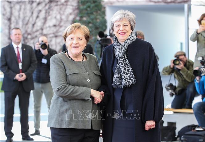 Меркель готова дать Великобритании больше времени на поиск компромисса по Brexit - ảnh 1