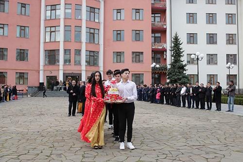 Вьетнамцы за границей отмечали День поминовения королей Хунгов - ảnh 1