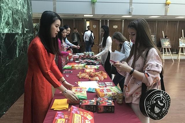 В МГИМО прошёл 5-й фестиваль вьетнамской культуры - ảnh 1