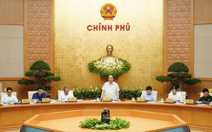 В Ханое прошло очередное апрельское заседание правительства Вьетнама - ảnh 1