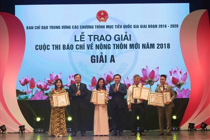 Во Вьетнаме обнародованы 10 главных событий национальных целевых программ - ảnh 1