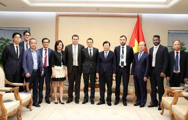 Поощряется расширение вьетнамо-французского сотрудничества в сфере авиации - ảnh 1