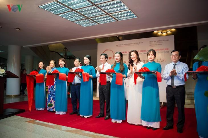 В Ханое открылась выставка «Простые, но благородные люди» - ảnh 1