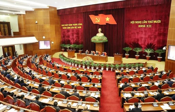 В Ханое прошёл второй день работы 10-го пленума ЦК КПВ 12-го созыва - ảnh 1