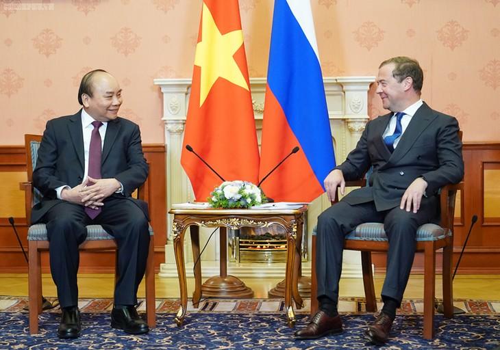 Нгуен Суан Фук провел переговоры с Дмитрием Медведевым - ảnh 3