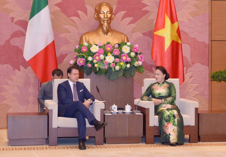 Спикер парламента Вьетнама Нгуен Тхи Ким Нган приняла премьер-министра Италии - ảnh 1