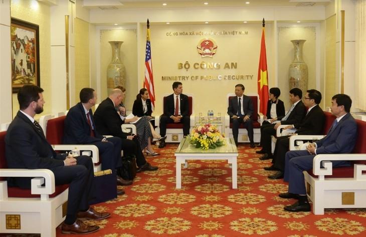 Вьетнам и США активизируют сотрудничество в борьбе с преступностью - ảnh 1