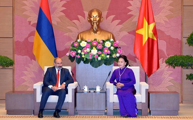 Председатель Нацсобрания Вьетнама встретилась с премьер-министром Армении - ảnh 1