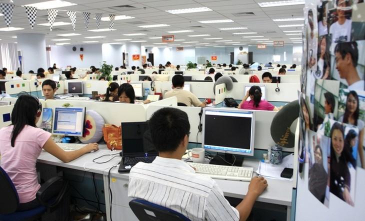 Отрасль информационных технологий Вьетнама продолжает активно развиваться - ảnh 1