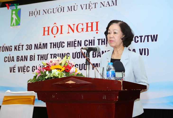 Чыонг Тхи Май: инвалидам создаются все условия для доступа к достижениям развития страны - ảnh 1