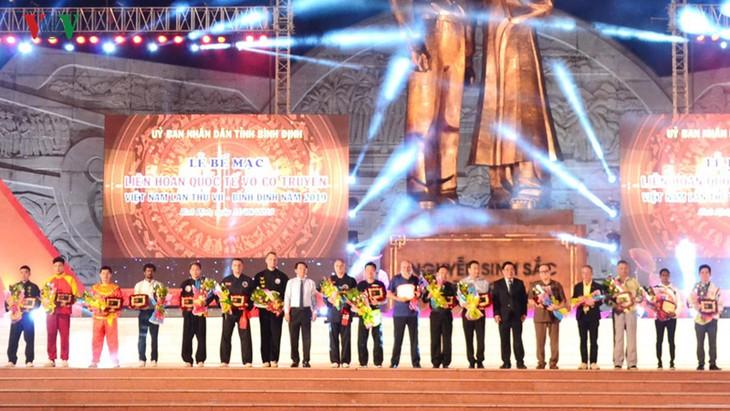 В провинции Биньдинь завершился 7-й международный фестиваль традиционных боевых искусств Вьетнама - ảnh 1