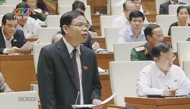 Les ministres s'expliquent sur le développement socio-économique - ảnh 1