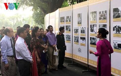 Exposition sur les activités diplomatiques du président Ho Chi Minh  - ảnh 1