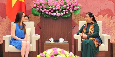 Tong Thi Phong reçoit la présidente de la commission des Affaires étrangères du Sénat mexicain - ảnh 1