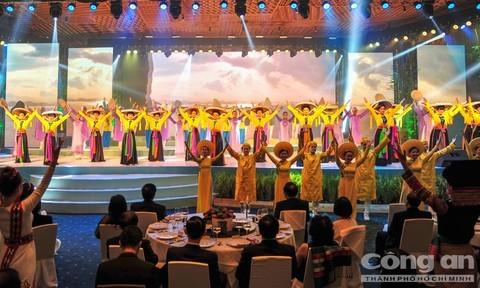 Un programme artistique pour la promotion du tourisme vietnamien - ảnh 1