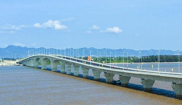 Inauguration du pont maritime le plus long  d'Asie du Sud-Est - ảnh 2