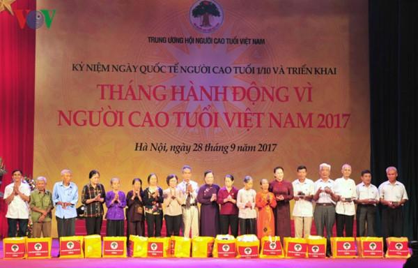 La journée internationale des personnes âgées fêtée au Vietnam - ảnh 1