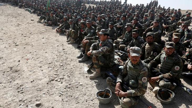 Afghanistan: plus de quarante militaires tués dans un attentat taliban - ảnh 1