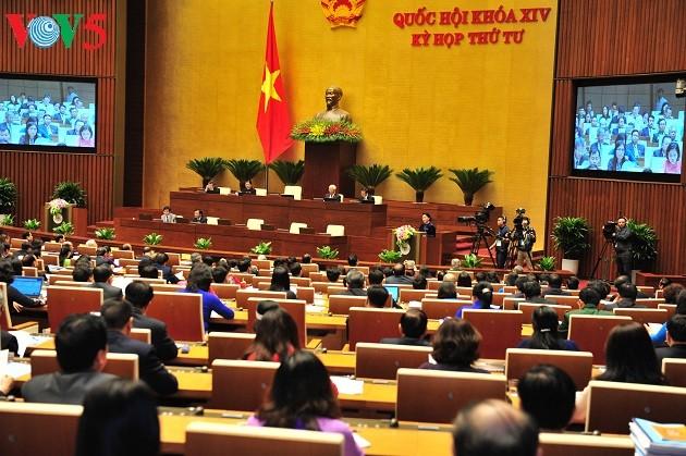 Activités de la 1ère journée de la 4ème session parlementaire  - ảnh 2