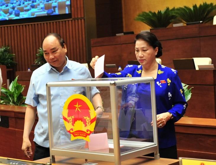 L'Assemblée nationale approuve la nomination d'officiels gouvernementaux - ảnh 1