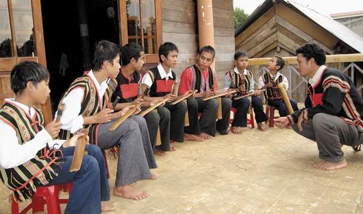 Le ching kram, une innovation musicale des Ede - ảnh 1