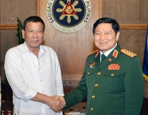 Défense: Vietnam et Philippines plaident pour des liens accrus - ảnh 1