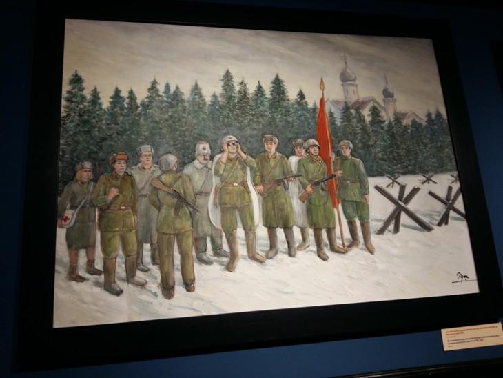 Vernissage de l'exposition de peinture « Souvenirs de l'époque soviétique » - ảnh 1