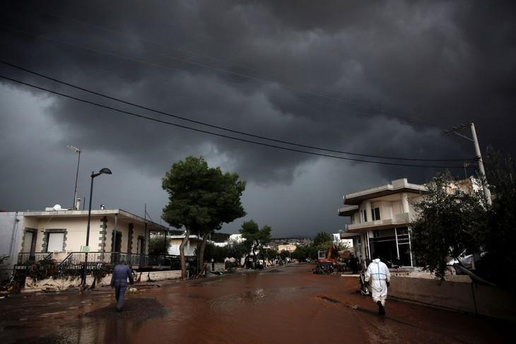 Pluies apocalyptiques à Athènes: au moins 14 morts - ảnh 1