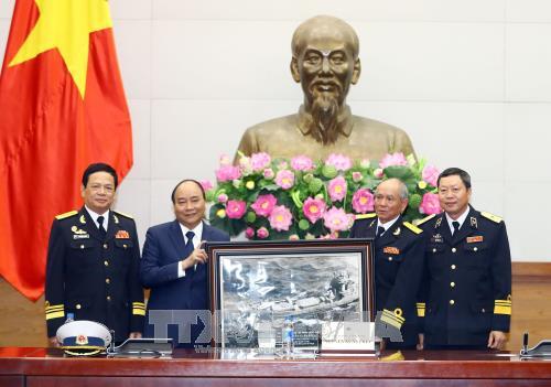 Nguyen Xuan Phuc rencontre des anciens combattants de la piste maritime Ho Chi Minh - ảnh 1