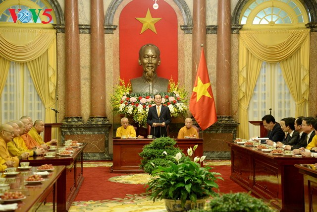 Tran Dai Quang rencontre une délégation de l'Eglise bouddhique du Vietnam - ảnh 1