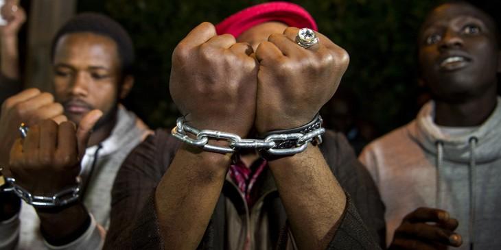 """Esclavage en Libye : les conclusions de l'enquête libyenne """"ne sauront tarder"""" - ảnh 1"""