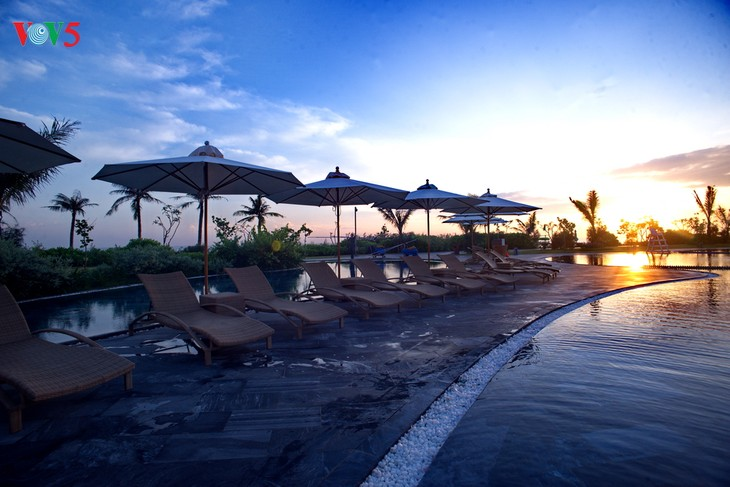 Faire du tourisme un secteur clé de l'économie vietnamienne - ảnh 1