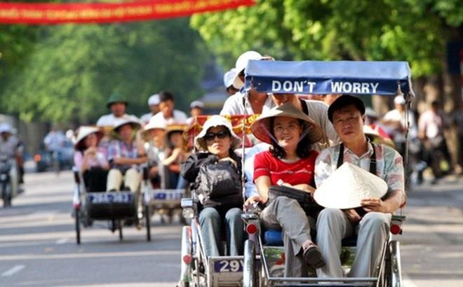 Plus de 4,2 millions de touristes étrangers au Vietnam durant le premier trimestre - ảnh 1