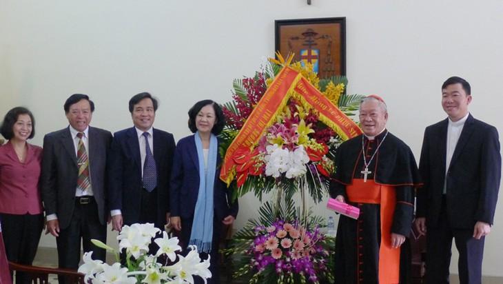 Truong Thi Mai adresse ses félicitations de Pâques à l'archidiocèse de Hanoï - ảnh 1