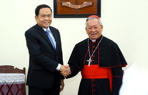 Trân Thanh Mân présente ses voeux de Pâques aux chrétiens - ảnh 1