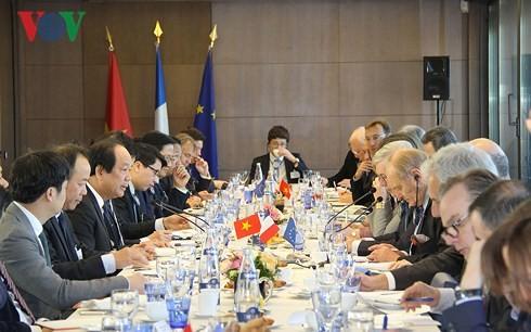 Le Vietnam et la France partagent des expériences en matière d'e-gouvernement - ảnh 1