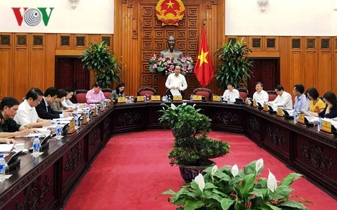 Le Gouvernement se réunit pour le programme législatif et réglementaire de 2018 - ảnh 1