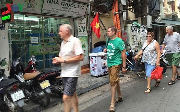 Vietnam : 5,54 millions de touristes étrangers depuis le début de l'année - ảnh 1
