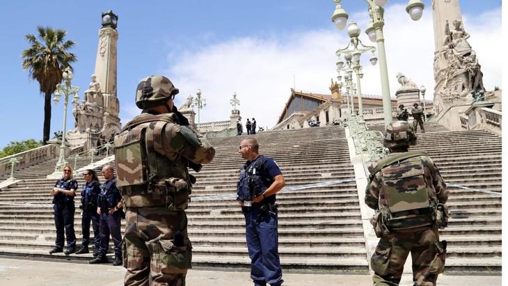 Le suspect arrêté en gare de Marseille a été identifié  - ảnh 1